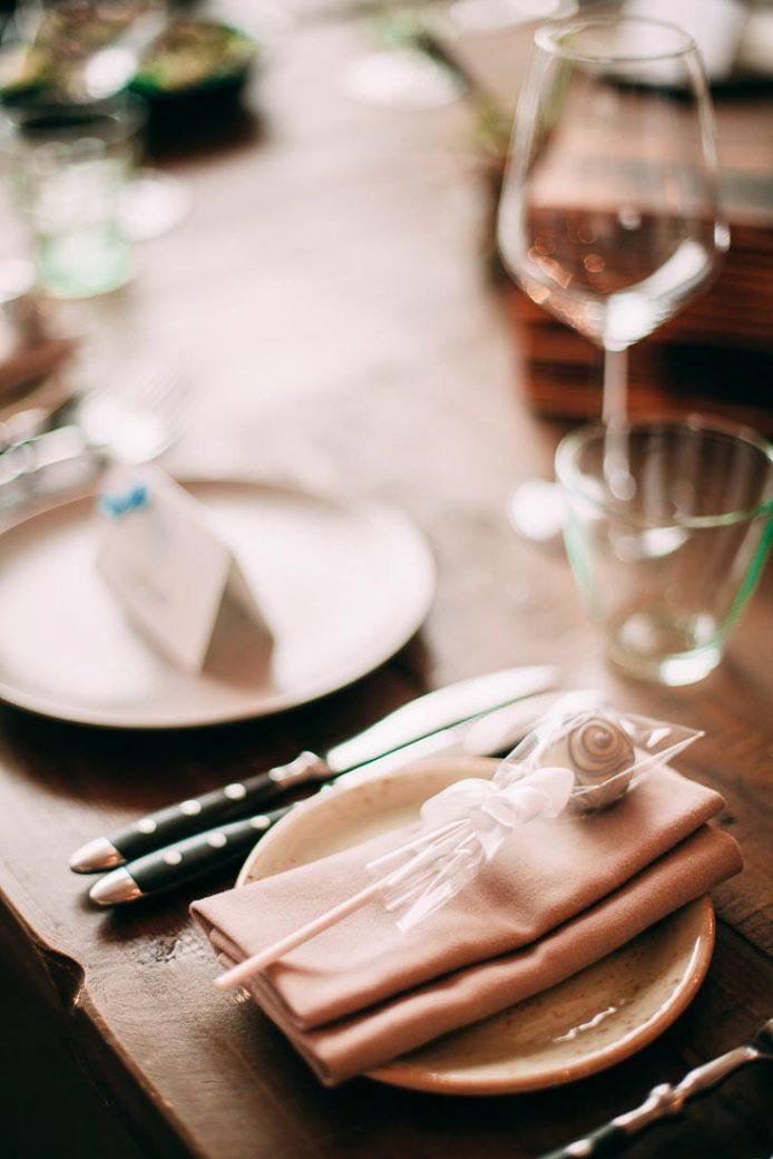 Blue-white-rustic-wedding-6