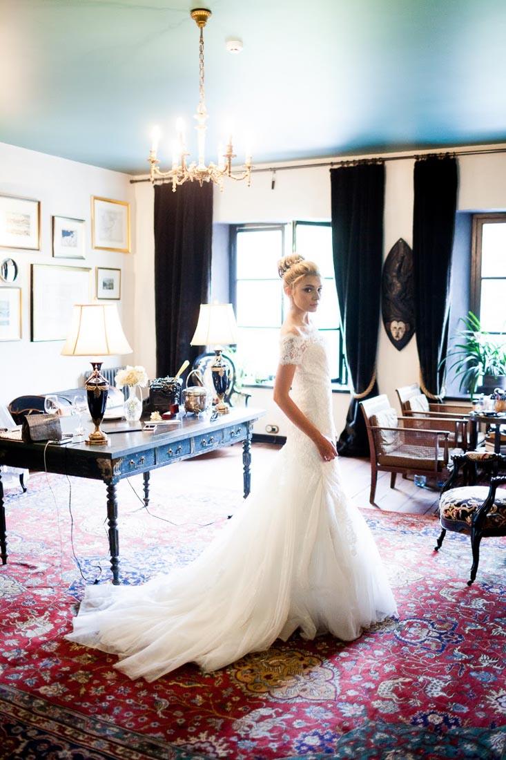 classical-wedding-in-manor-12