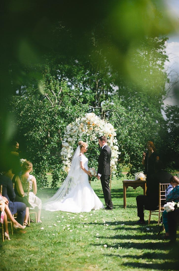 classical-wedding-in-manor-16